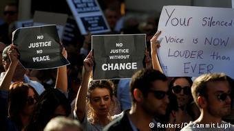 Διαδηλώσεις στη Βαλέτα με αφορμή τη δολοφονία της δημοφιλούς δημοσιογράφου