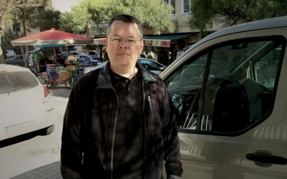 Ο Αντριου Μπράνσον συμπλήρωσε ενάμιση χρόνο κράτησης στην Τουρκία, διάστημα κατά το οποίο εκτιμάται ότι γίνεται «παζάρι» Αγκυρας - Ουάσιγκτον.