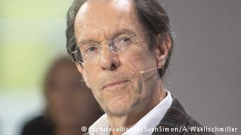 Ο ελβετός δημοσιογράφος και βιογράφος του Εξυπερύ, Γιόζεφ Χάνιμαν