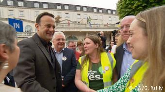 Ο ιρλανδός πρωθυπουργούς Λέο Βαράντκαρ είχε ταχθεί εξ αρχής υπέρ του δικαιώματος στην άμβλωση