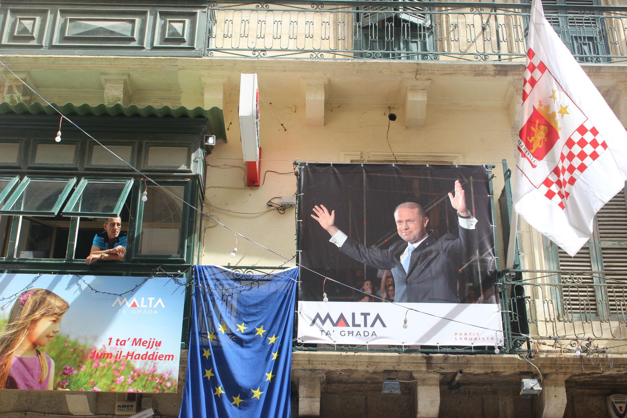 Γραφεία του Εργατικού Κόμματος στην πρωτεύουσα Βαλέτα. Στο πανό ο 44χρονος πρωθυπουργός Τζοζέφ Μουσκάτ.
