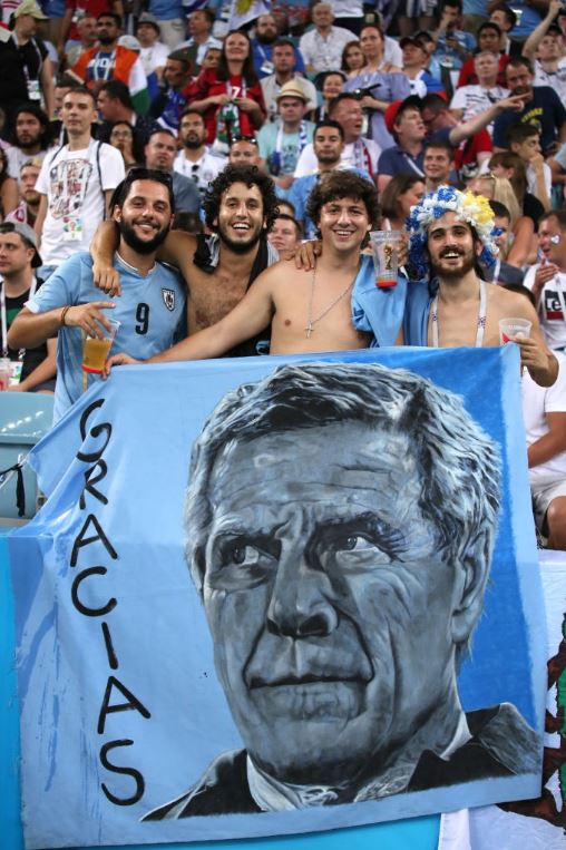 Οι Ουρουγουανοί φίλαθλοι αναγνωρίζουν το έργο του Tabarez.